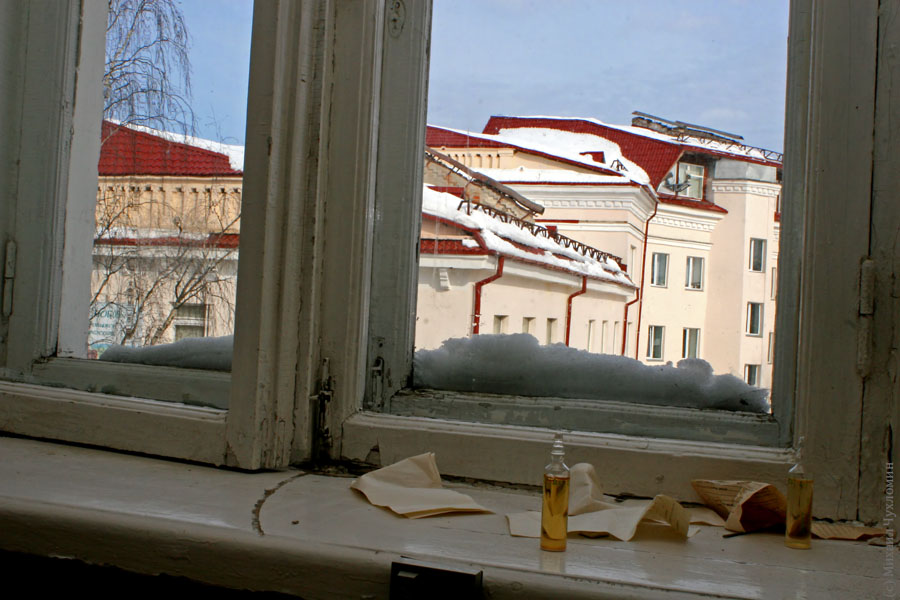 Заброшенная больница в Сыктывкаре ампулы