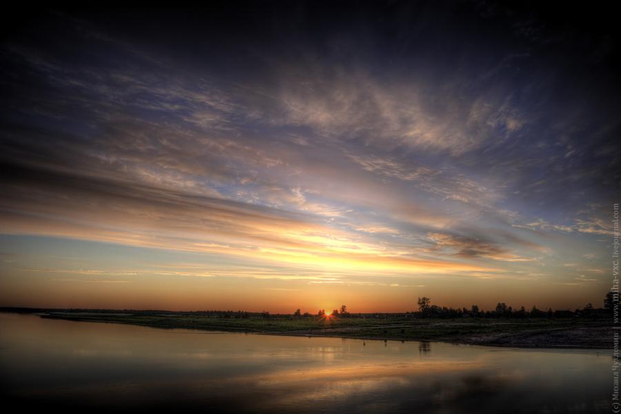 Сыктывкарский рассвет на пирсе