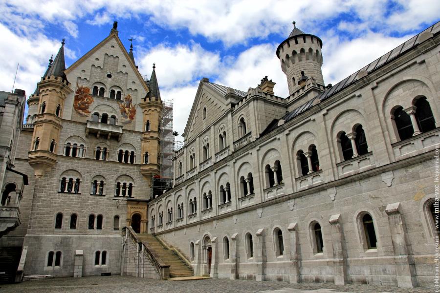 Замок Нойшванштайн изнутри