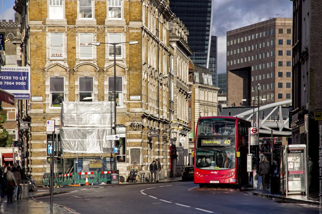 двухэтажные красные автобусы